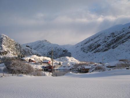 Hovdevåg med utsikt mot Storeskaret i Vinterstemning